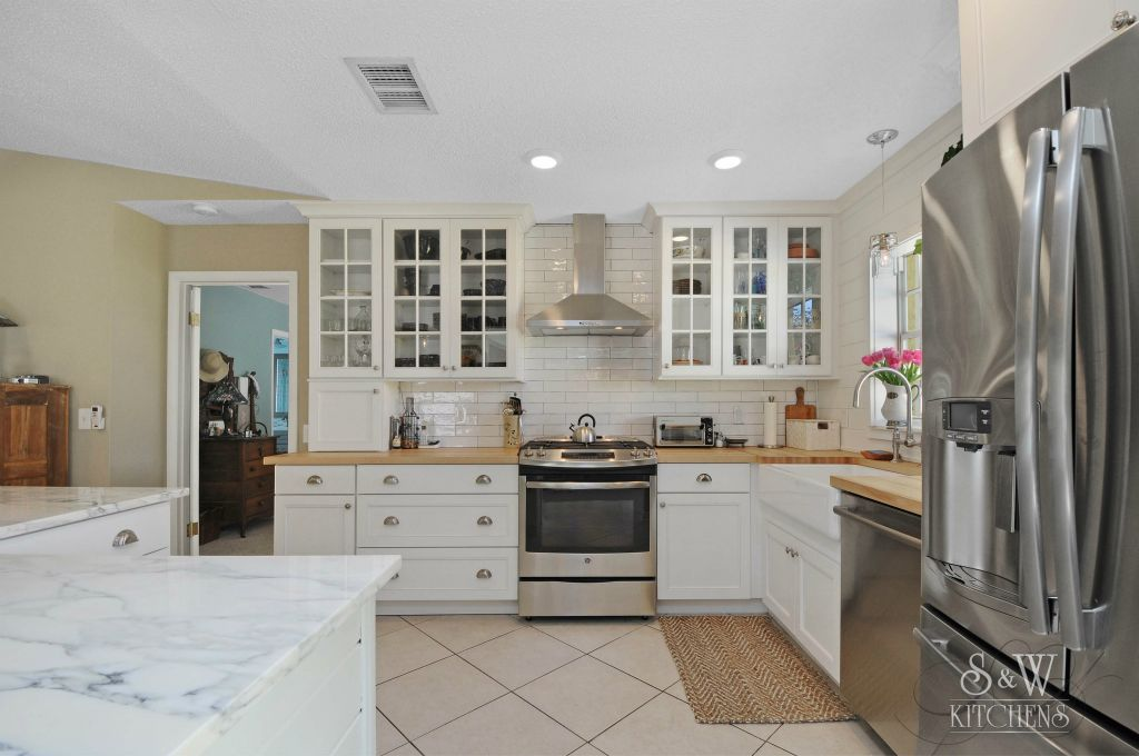 Kitchen And Bath Cabinets With Diamond Fine Cabinetry