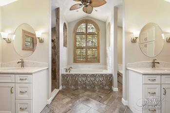 sw_dourney_bathrooms_004